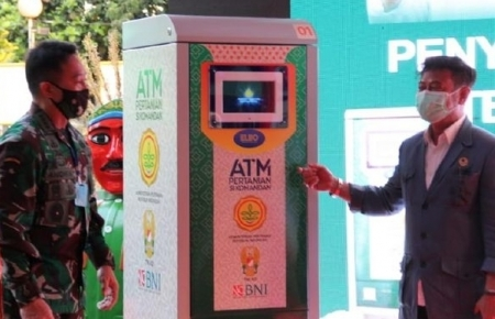 Indonesia replicates Vietnam's 'Rice ATM' to support those in need during COVID-19