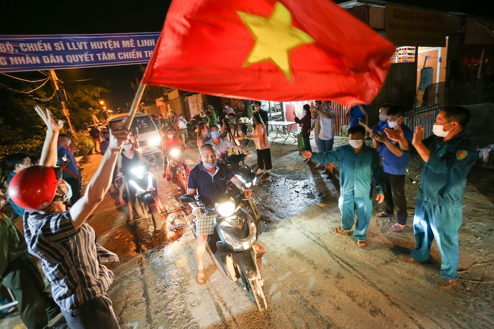 residents in hanoi outskirt burst with joy as 28 day covid 19 lockdown ends up photo