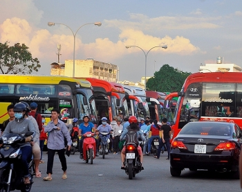 vietnam resumes mass passenger transport