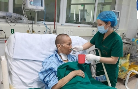 Video: One of most critical COVID-19 patients in Vietnam has 'miraculous recover'