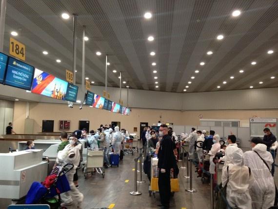 vietnam flies home 340 citizens from coronavirus hit russia