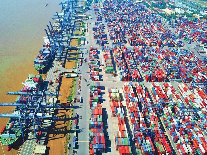 vietnam is believed to benefit from its success in containing covid 19 foreign expert
