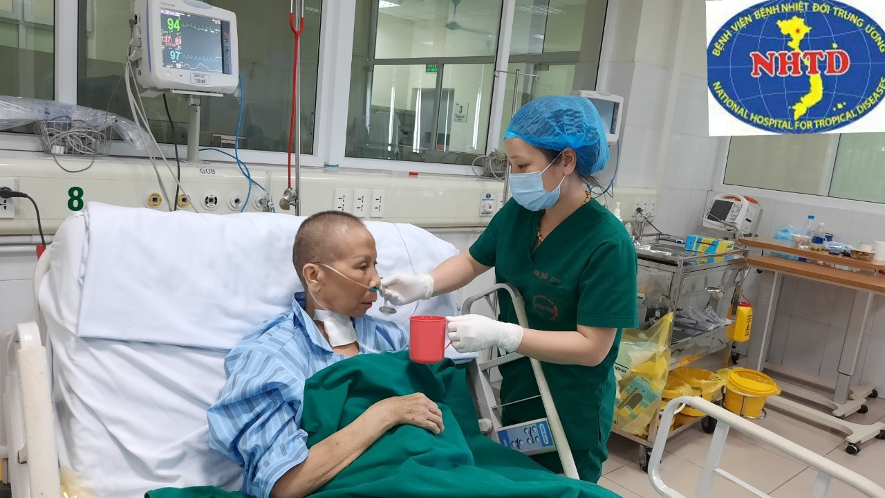 miraculous journey by one of vietnams most critical covid 19 patient