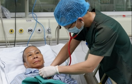 Miraculous journey by one of Vietnam's most critical COVID-19 patient