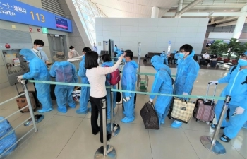 stranded vietnamese and canadian expatriates repatriated
