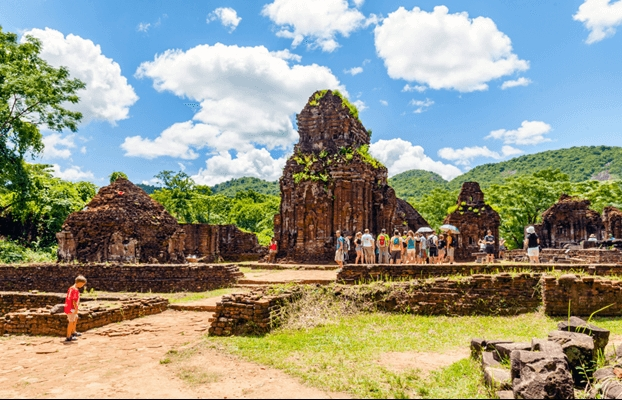 1100-year-old monolithic sandstone Shiv linga unearthed in Vietnam