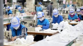 30 million made-in-Vietnam medical masks delivered to North America