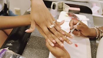 vietnamese american nail salons eager to resume operations