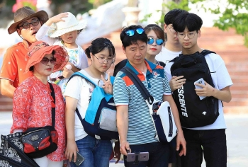 vietnam considers to resume travel with china south korea and japan