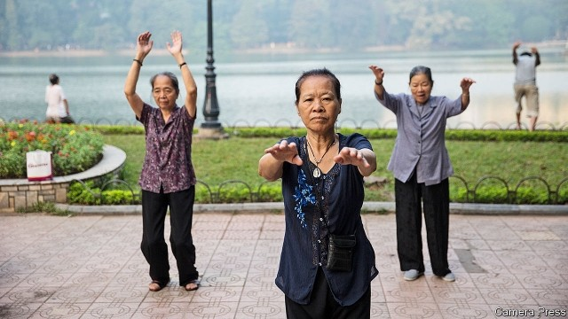 vietnam to raise retirement age add one more public holiday