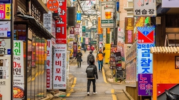 Pressure to earn money weighs upon Vietnamese students in RoK