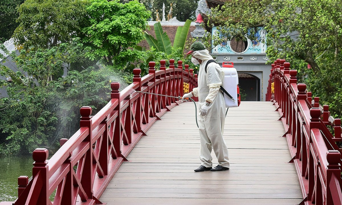 coronavirus update hanoi tourist sites close