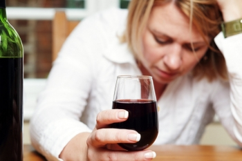 drinking alcohol can increase the risk of getting coronavirus