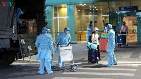 Nearly 300 Vietnamese citizens stranded in UAE due to COVID-19 repatriated