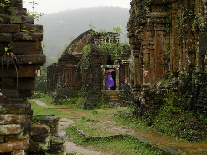 Indian experts help Quang Nam preserve My Son Sanctuary