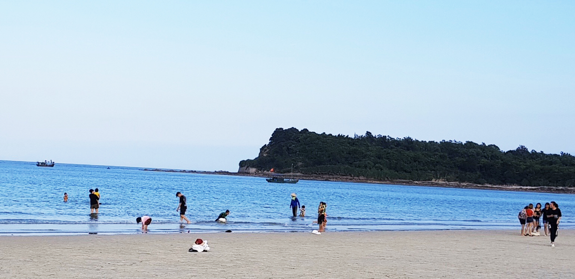 minh chau quan lan and ngoc vung islands ready for summer tourism
