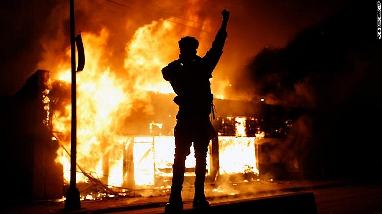 protest and riot break out around america after george floyds death photos
