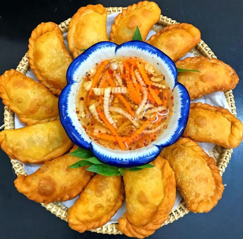 list of hanoi street food salty or sweet