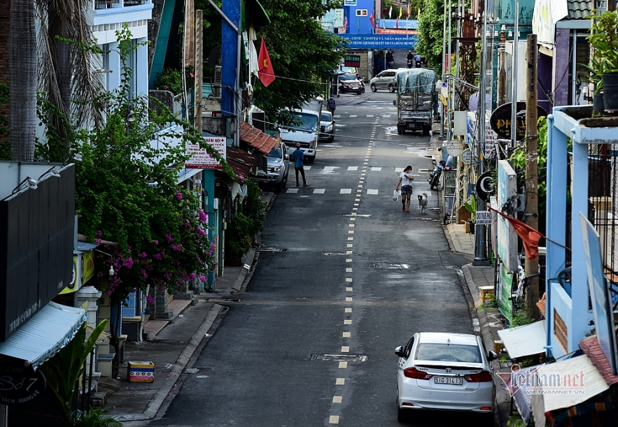 Additional 16 southern provinces and cities to apply social distancing under Directive 16. Photo: Vietnamnet
