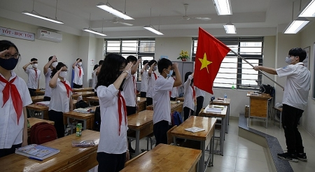 First day of children in Hanoi and Ho Chi Minh City to return schools [Photo story]