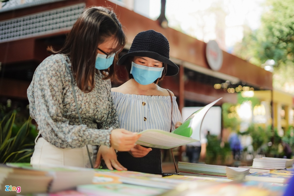 ho chi minh citys book street to be resumed its normal activities after closure due to covid 19 pandemic