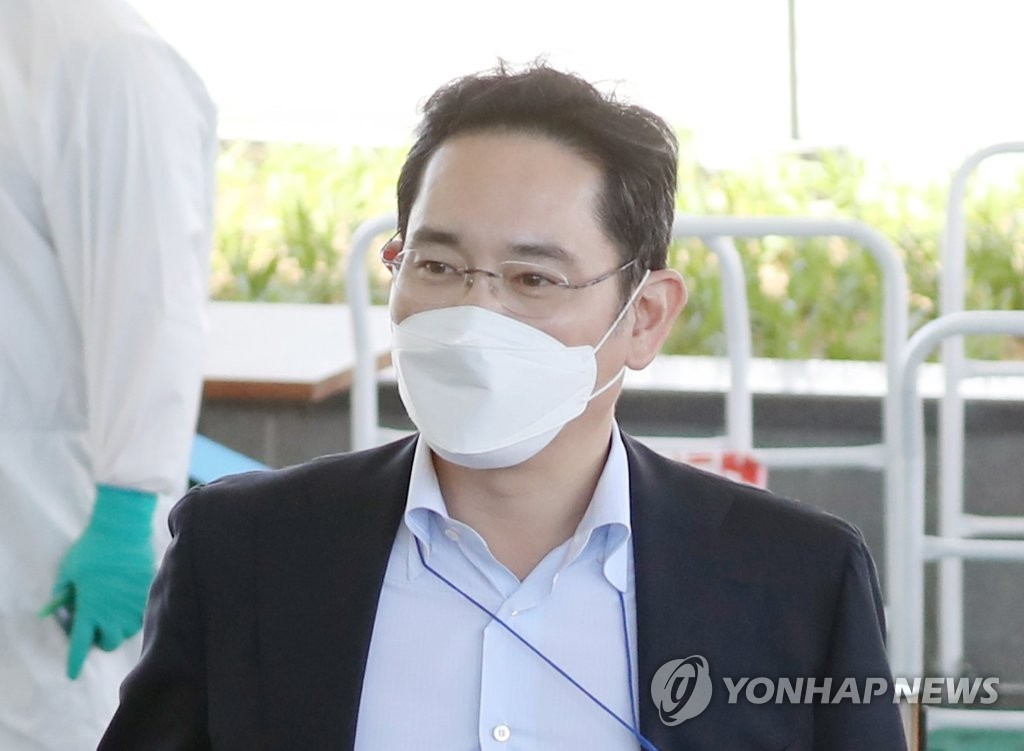 samsung group heir questioned about 2015 merger