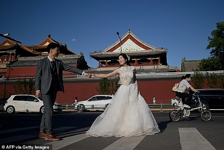 New law requires 30-day waiting period before Chinese couples can divorce