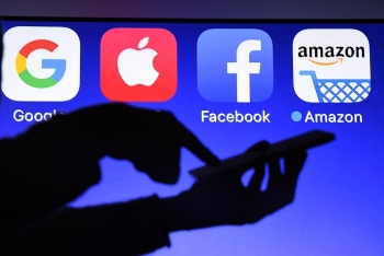 facebook joins hands with google and other tech companies to suspend processing hong kong government data requests