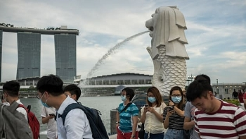 singapore resorts world sentosa to make significant staff cuts amid coronavirus pandemic