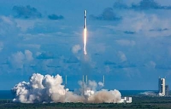 south koreas first ever military satellite launched