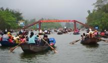 pilgrims to huong pagoda to get free wi fi