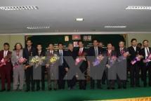cambodia presents friendship order to vietnamese diplomats and pressmen