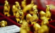 people flock to buy gold on god of wealth day