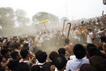 young vietnamese turn violent involved in stampedes at northern festivals photos