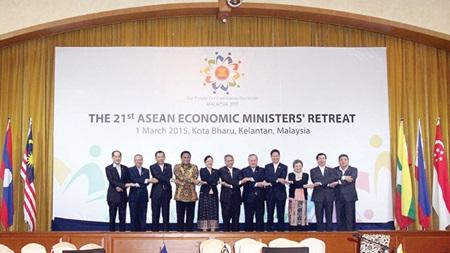 ASEAN to remove more non-tariff barriers to boost economic integration