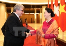 top legislator expects more swiss businesses to invest in vietnam