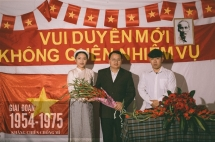 vietnamese wedding costumes over past 100 years in a photo collection