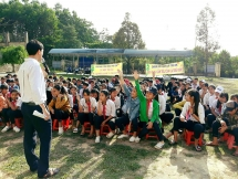 world vision holds media festival on ending violence against children in quang nam