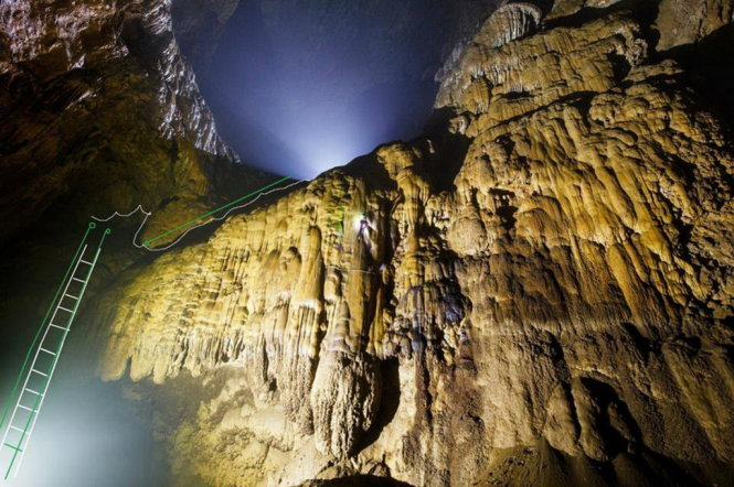 Project to build ladder in Son Doong Cave in Vietnam ignites controversy