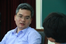prof ngo bao chau officially becomes professor at college de france