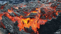 new fissures from hawaii volcano more eruptions feared