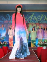 kazakh volleyball girl wins miss ao dai in quang nam