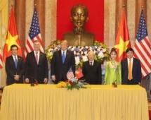 Over $15 billion in deals inked between Vietnamese airlines and Boeing