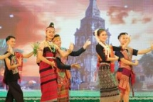600 artisans perform in festival of ethnics in Vietnamese, Lao border provinces