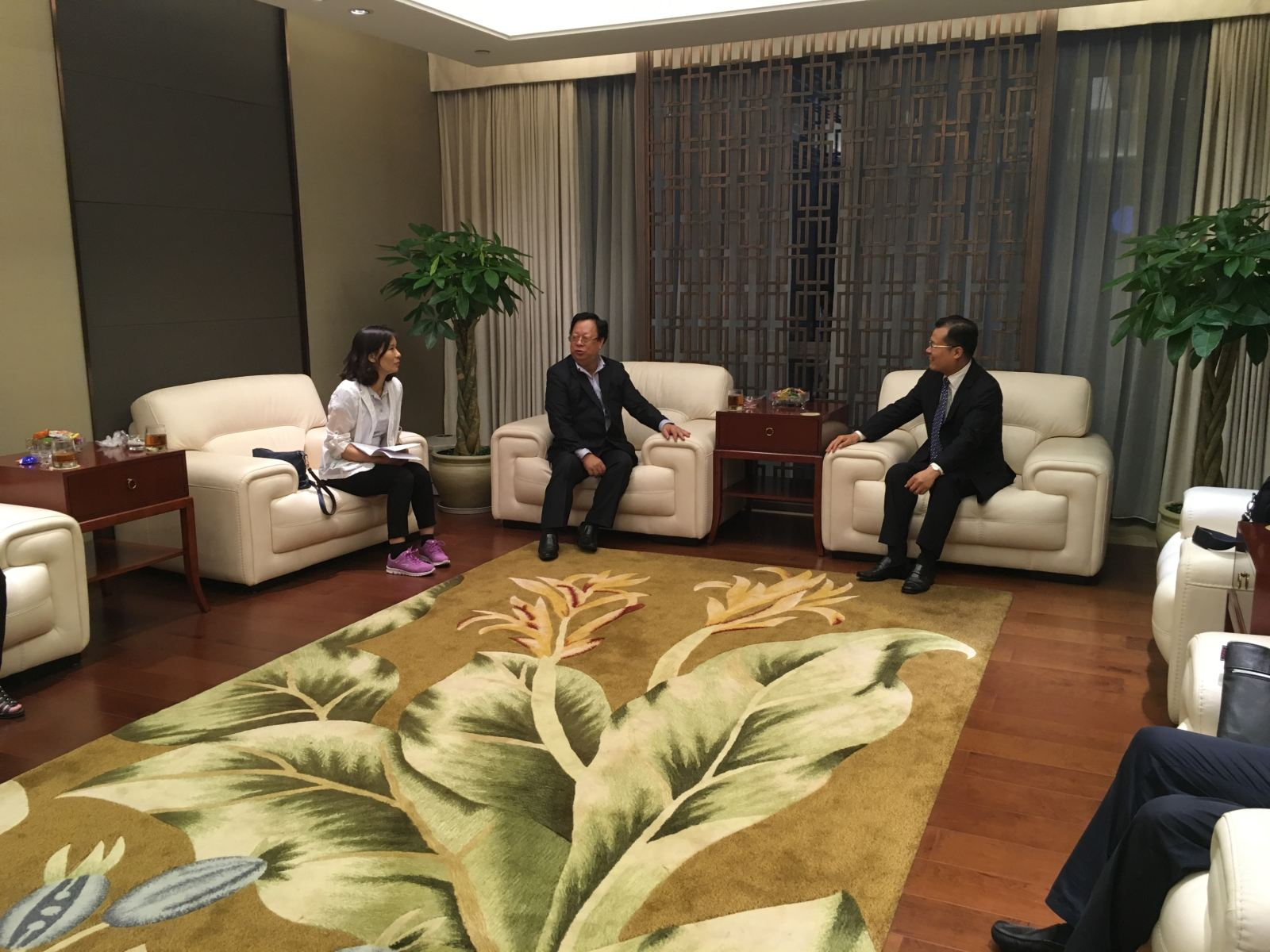 VUFO Chairman Vu Xuan Hong's visit to Tibet: it needs to enhance mutual understanding