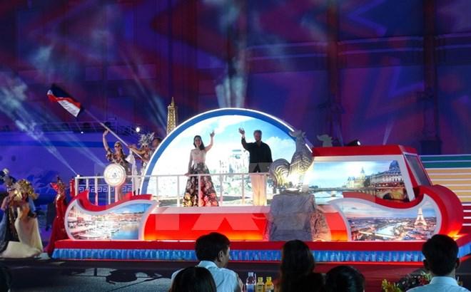 Nha Trang-Khanh Hoa Sea Festival wraps up with special art performance