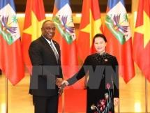 Vietnam, Haiti parliament heads in talks, step up legislative ties