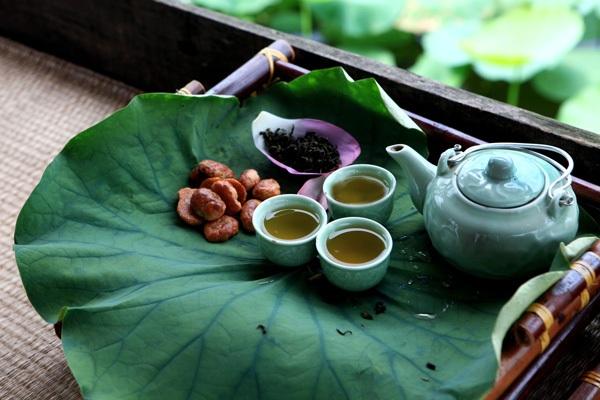Enjoy lotus tea on Hanoi's West Lake
