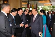 prime minister arrives in bangkok for acmecs 8 clmv 9