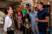 angelina jolie people in mosul needs more support to rebuild their lives from ruins